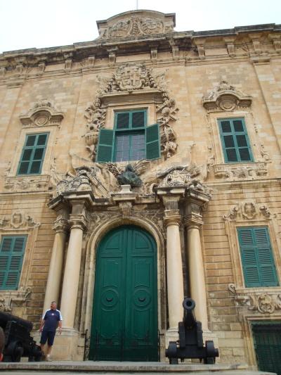 Valletta, Palatul Parlamentului, una dintre cele mai frumoase cladiri din Malta