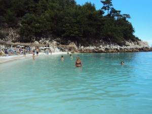 Plaja de marmura din Thassos