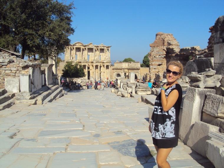 Biblioteca lui Celsus - cel mai frumos obiectiv turistic din Efes