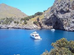 plimbare cu yachtul - activitati memorabile in Palma de Mallorca