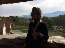 Muntii Fagarasi vazuti din Turnul Castelului de Lut de pe Valea Zanelor