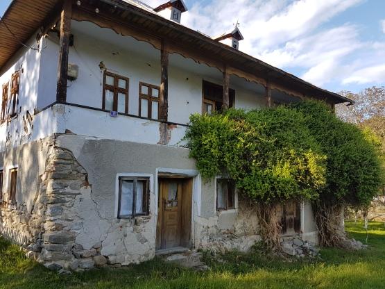 casa veche din Corbi