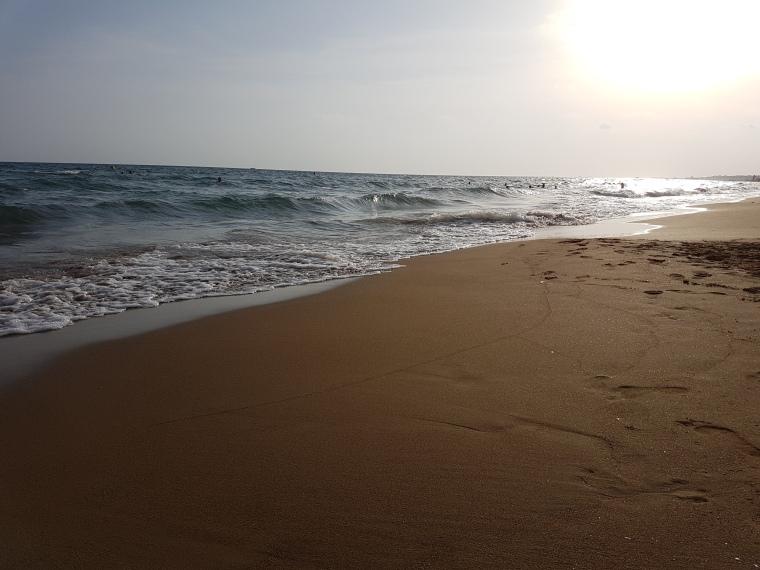 plaja cu nisip fin in Antalya Turcia recomandata familiilor cu copii