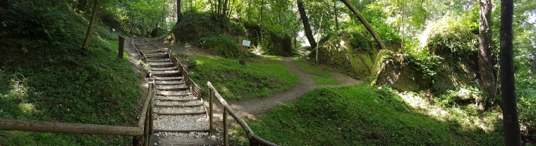 drumul de la manastirea rupestra spre Schitul Sf.Nectarie de la Sinca Veche
