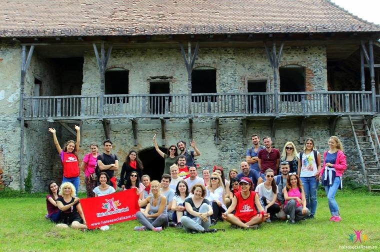 grupul Hai sa socializam la castelul Sükösd-Bethlen