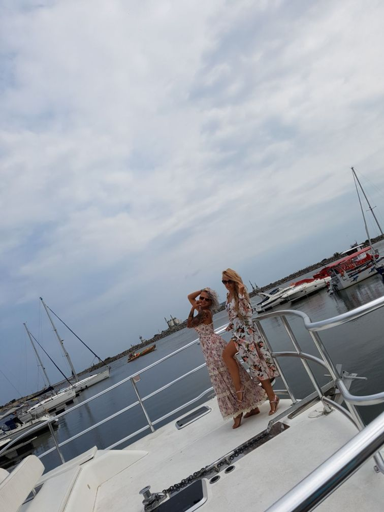 yackt in port turistic Mangalia