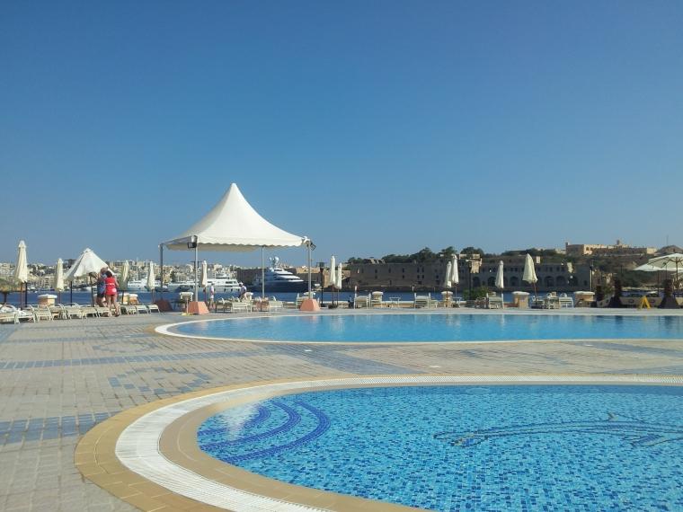 hoteluri cu plaja cu nisip Malta