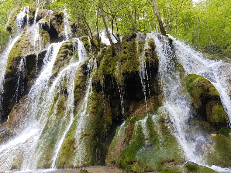 cascada Buesnita cea mai frumoasa cascada din Romania