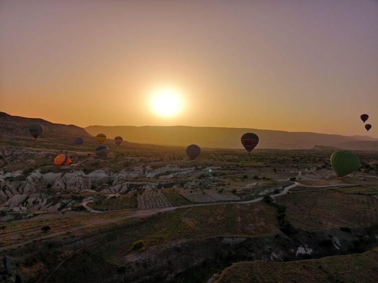 cel mai frumos loc unde poti sa zbori cu balonul Cappadocia Turcia