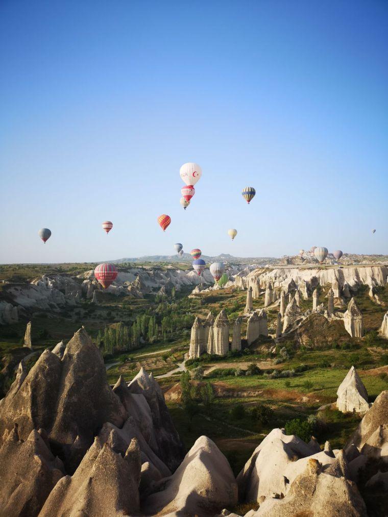 festivalul baloanelor cu aer cald in Cappadocia