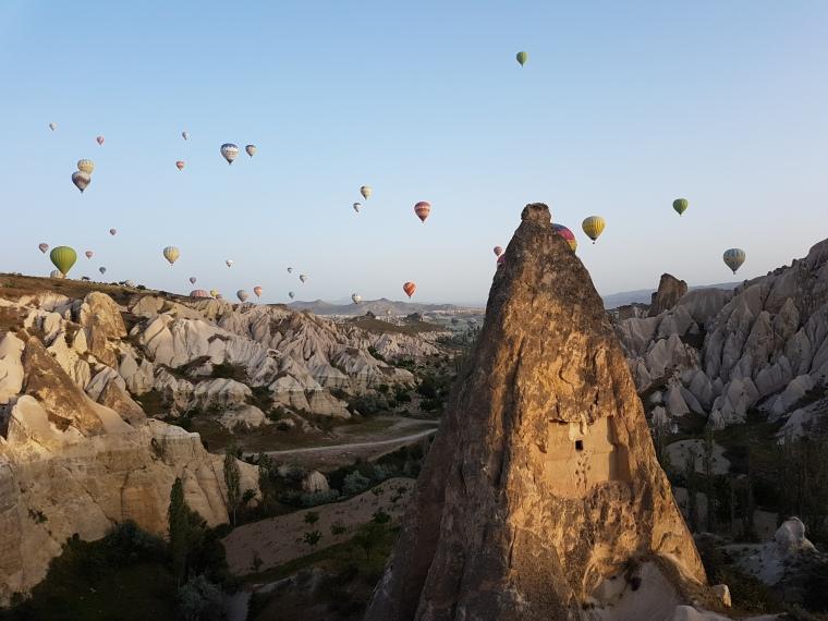 cele mai frumoase locuri de zburat cu balonul