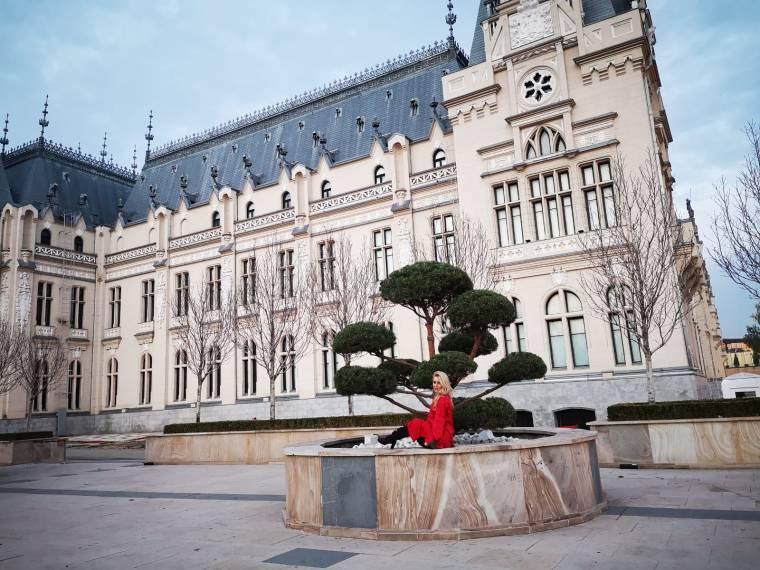 cele mai frumoase castele de vizitat in Iasi Romania