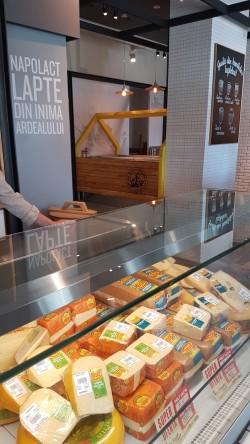 selectie de branzeturi ecologice la lactobar cluj