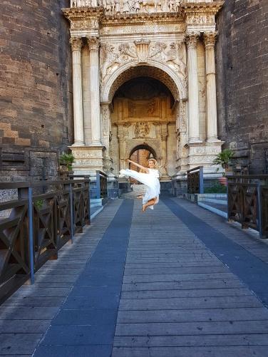 Napoli ce sa vizitezi Castello Nuovo