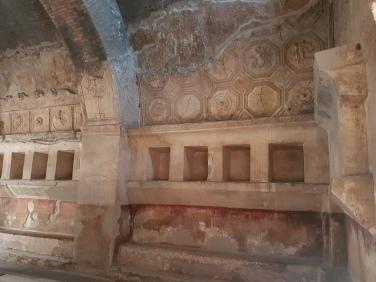 interior bai publice Pompei