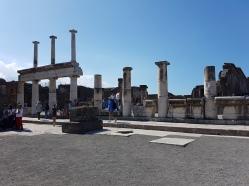 ce e de vazut in Pompei Forul Roman
