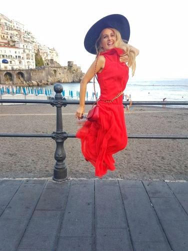 plaja cu nisip fin Amalfi