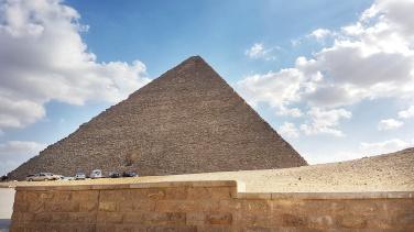 piramida lui Keops - cea mai mare piramida de pe platoul Giza