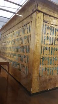 primul sicriu al lui Tutankamon