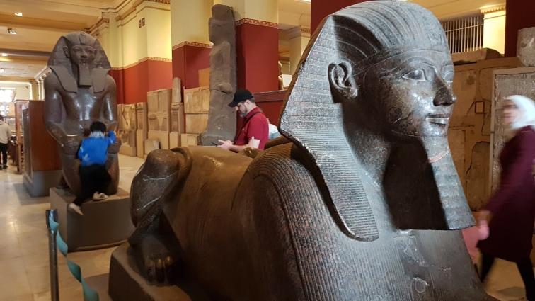 Sphinxul care are capul reginei Hatshepsut, prima femeie faraon din istoria Egiptului.