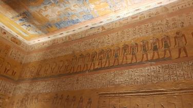 Anubis - Zeul Mortii si al Mumificari reprezentat pe peretii mormantului lui Ramses al IV-lea