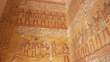 barca ce face trecere faraonilor in lumea de dincolo