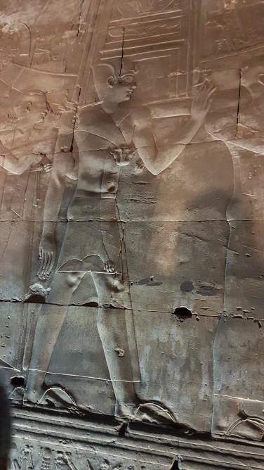cei 35 de preoti care aducea anual sanctuarul zeitei Hator de la Dendera la Edfu
