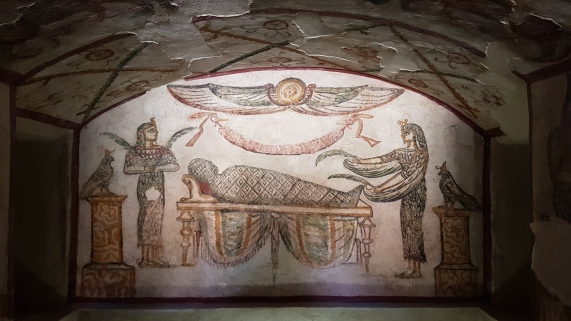 procesul de mumificare reprezentat in mormintele romanilor din Alexandria, Egipt