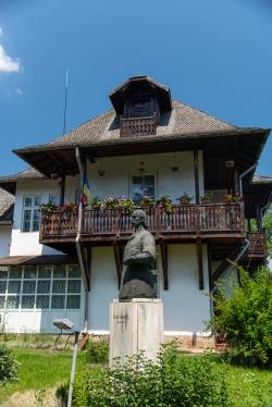 curte casa memoriala Nicolae Grigorescu Campina