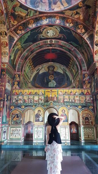 interior biserica Sf Nicolae Campina
