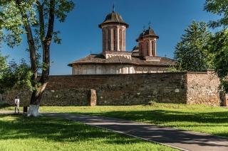 obiective turistice de neratat in Romania - Manastirea Brebu