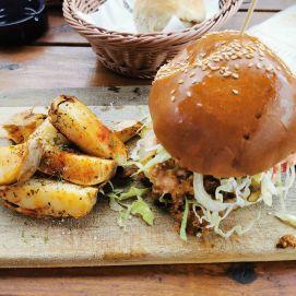 porc in pita burger ferma dacilor