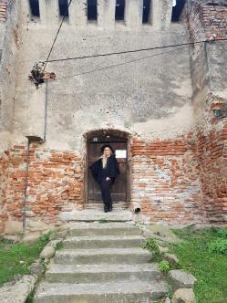 intrarea cu sonerie in cetatea Slimnic