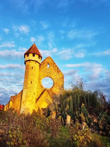 mănăstirea cisterciană Cârța - top obiective turistice Sibiu