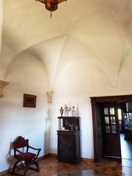 arcuri frante specifice arhitecturii gotice la castelul Bethlen Haller