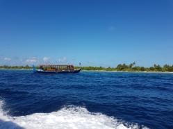 dhoni barca traditionala din Maldive in insula Dhiguarh