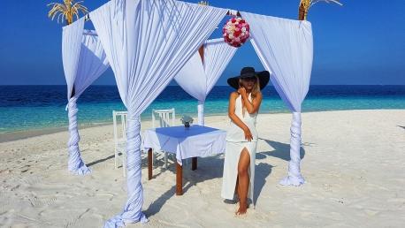 cel mai frumos loc unde iti poti face nunta pe plaja in Maldive Fihalhohi Island resort