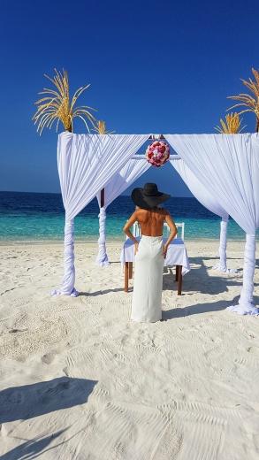 nunta pe plaja in Maldive Fihalhohi Island Resort
