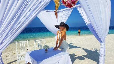 romantic wedding on the beach in maldives Fihalhohi Island Resort